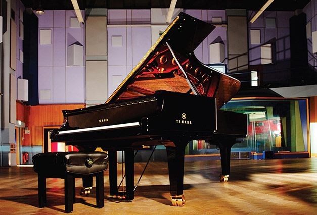 http://www.protootr.com/wordpress-protootr/wp-content/uploads/CFX-Concert-Piano-by-Garritan-and-Abbey-Road-Studios.jpg